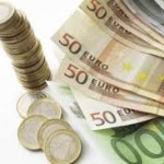 Weekly Loss for Euro against Yen and Dollar